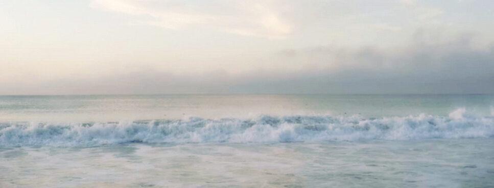 soft ocean waves